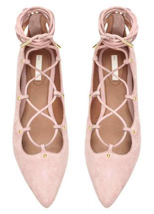 Кожаные ,замшевые балетки,туфли  пудрового цвета на шнуровке  h&m 39 размера