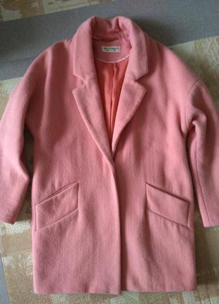 Персиковое шерстяное пальто бойфренд