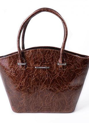 Коричневая сумка корзинка в лаке коричневая фактурная