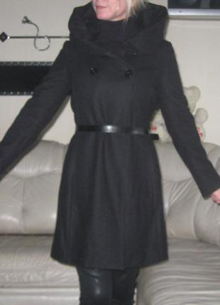 Пальто элегантное черное