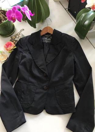 Красивый атласный пиджак, 36 размер stella svelto турция