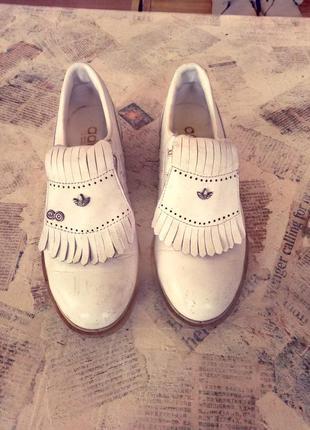 Продам туфли adidаs