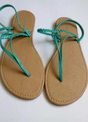 Бирюзовые босоножки сандалии