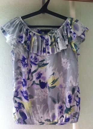 Атласная блуза, блузка с цветочным принтом.