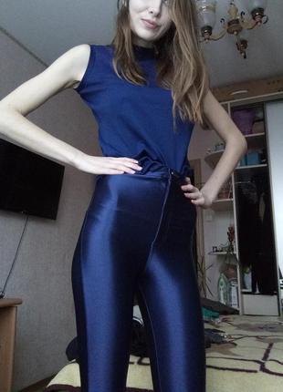 Блестящие штанишки скинни atm