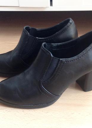 Туфли ботильоны челси чёрные на устойчивом каблуке
