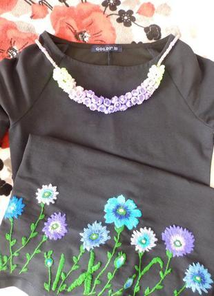 Стильное и оригинальное колье бутоны под платье миди, рубашку, свитшот