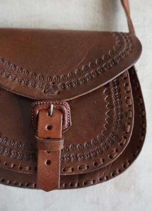 Стильная кожаная сумочка ручной работы