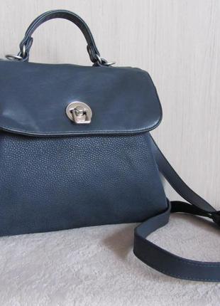 Кожаная актуальная сумочка