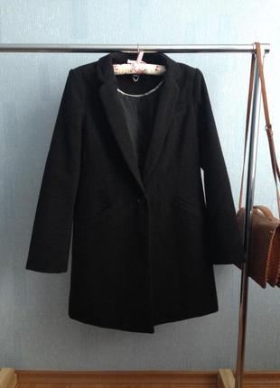 Актуальное чёрное пальто-бойфренд