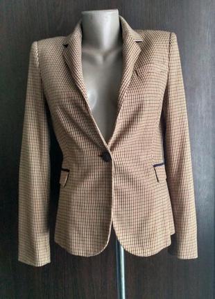 Супер-стильный пиджак с заплатками на локтях от zara