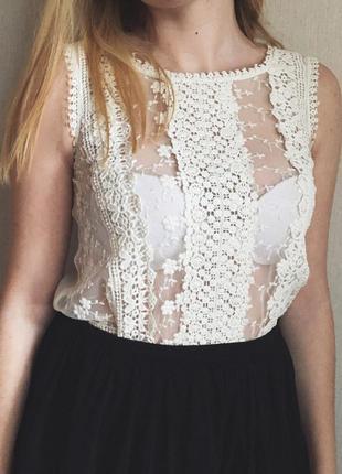 Милая блуза с кружевом