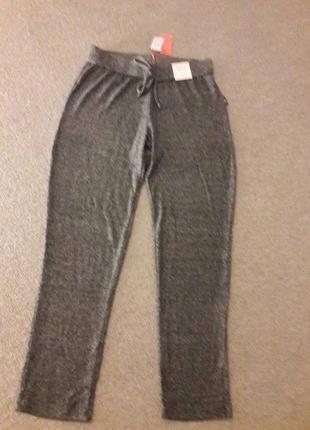 Спортивные штаны ткань очень приятная на ощупь