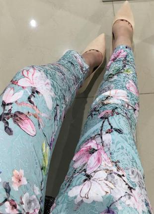 Штаны с цветочным принтом
