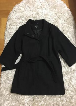 Пальто чёрное oggi 36 р