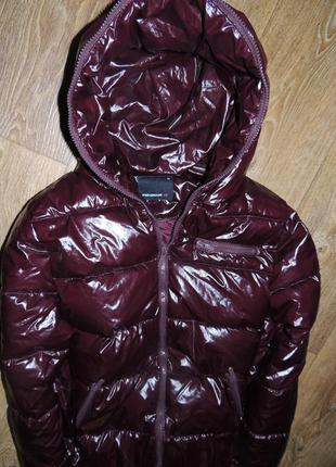 Очень крутая демисезонная курточка. как новая. цвет темнее марсала