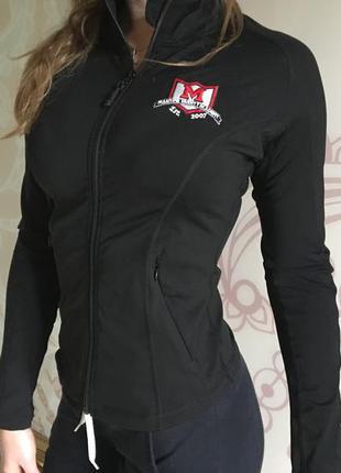 Женская спортивная кофта