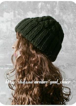 Хлопковая шапка с отворотом/с косами тёмно-оливкового цвета