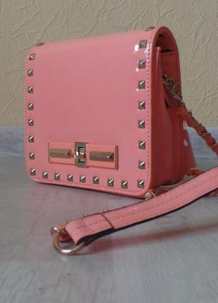 Стильная, практичная и качественная сумочка