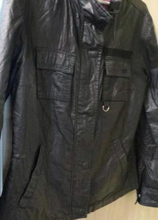Модна фірмова курточка m