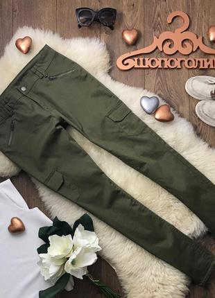 Модные джинсы-скинни фасона «карго» в красивом темно-оливковом цвете    denim co