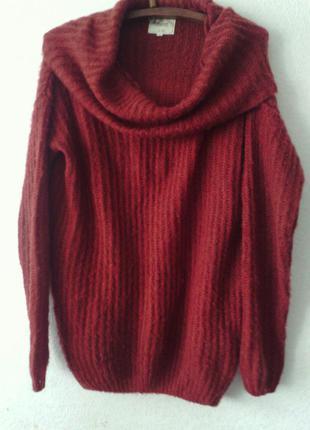 Теплый свитер свободного кроя с воротником хомут терракотового цвета