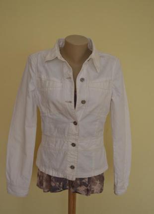 Фирменная джинсовая белая курточка
