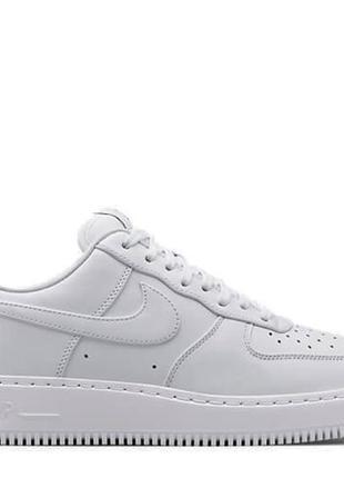 Белые кроссовки nike air force