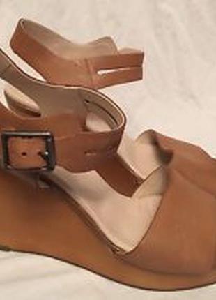 Новые кожаные clarks босоножки размер 38, 40, 40. 5, 41