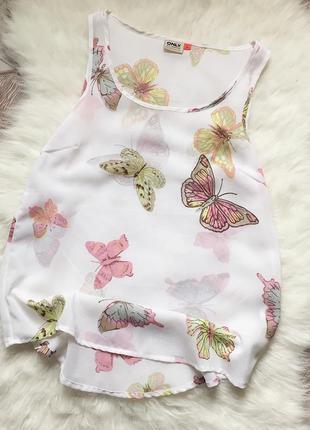 Белоснежная шифоновая майка с бабочками от only