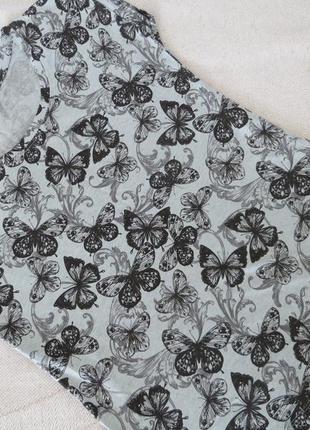 Легкая футболка из хлопка с принтом бабочки