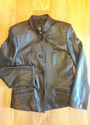 Симпатичная кожаная куртка на пуговицах (турция)