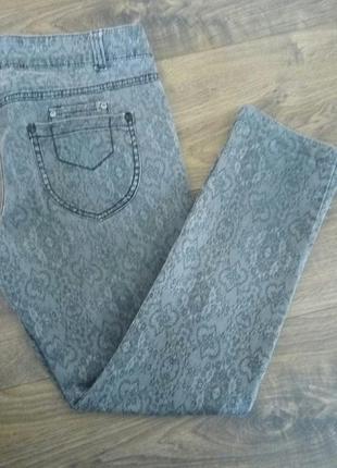 Фірмові сірі джинси укорочений варіант (next) 46 розміру