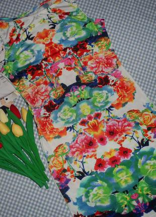 Шикарное красивое платье в цветы в обтяжку в размере м