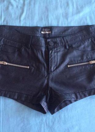 Кожаные шорты bershka