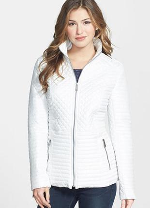 Белая курточка стеганка на весну р с,м