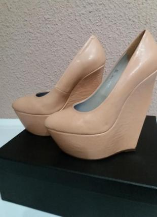 Кожаные туфли glossi новые