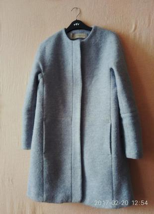 Голубое шерстяное пальто zara без воротника