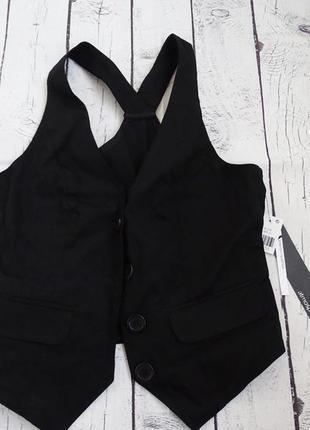 Черный жилет классическая жилетка на пуговицах