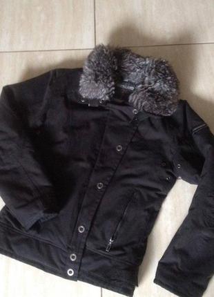 Дуже якісна куртка 38 м northland