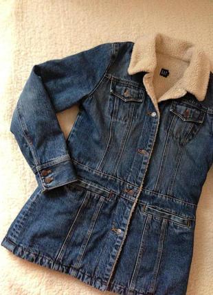 Теплая джинсовая куртка gap с подкладкой, размер с/м