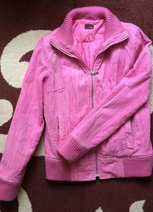 Демисезонная вельветовая курточка