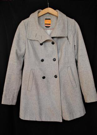 Класическое шерстяное пальто светло-серого цвета