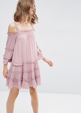Восхитительное платье с открытыми плечами asos
