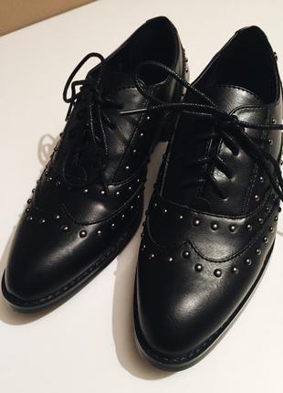 Классические кожаные туфли,броги