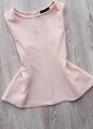 Шикарная пудровая фактурная блуза с баской atm atmophere