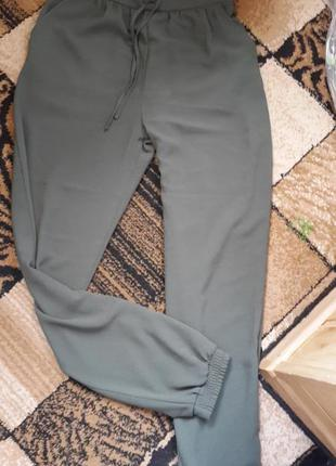 Трендовые брюки хаки весна-лето
