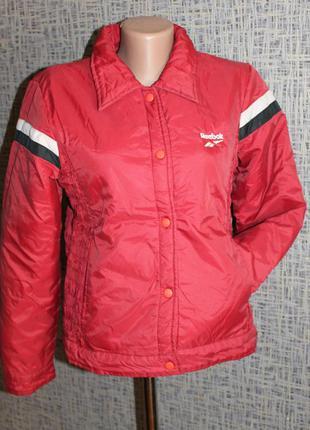 Спортивная куртка reebok с красивыми гофрированными боками