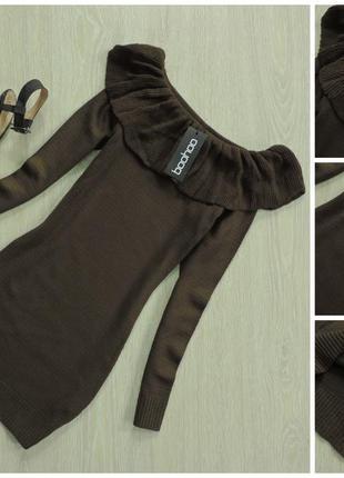 Платье- свитер с открытыми плечами