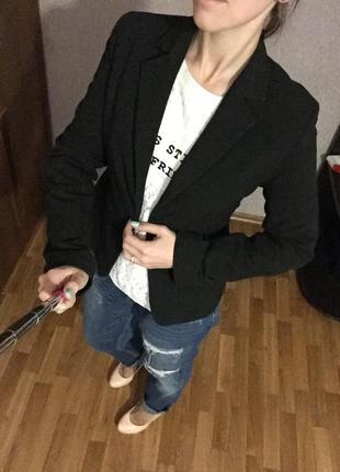 Классический темно-серый пиджак